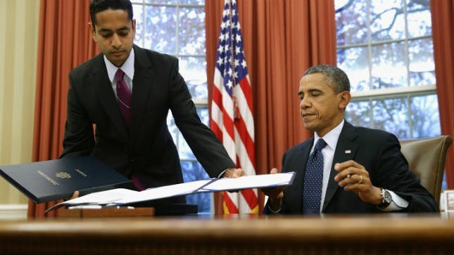 President Obama Signs Education Reform Bill